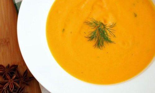 Crema de calabacín y zanahorias